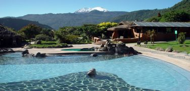 ecuador-papallacta-swimmingpool
