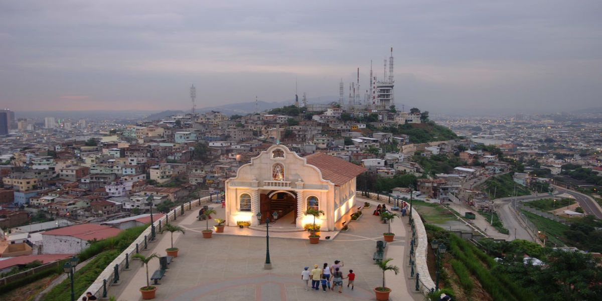 guayaquil-cerro-santa-ana-day-tours
