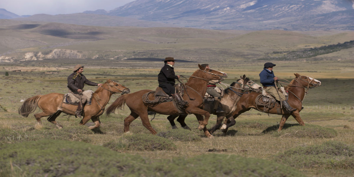 chile-patagonia-awasi-excursion-horseback