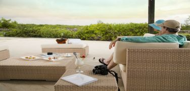 finch-bay-hotel-galapagos-tourist